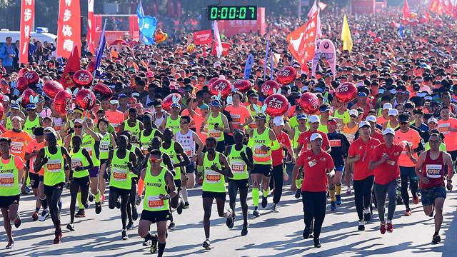 盛京银行2018沈阳国际马拉松全程精彩集锦