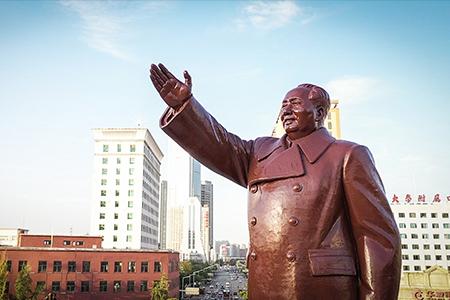 沈阳中山广场毛主席塑像群雕